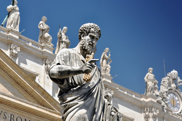 FototapetaStatue of Saint Peter in Vatican city, Italy