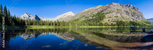 Valokuva  Tranquil Morning at Lake Josephine
