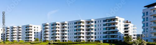 Obraz Modern residential building - fototapety do salonu