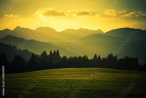 Poster de jardin Orange Scenic Mountain Landscape
