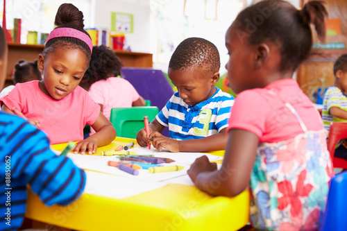 Canvas-taulu Preschool class in South African township, close-up