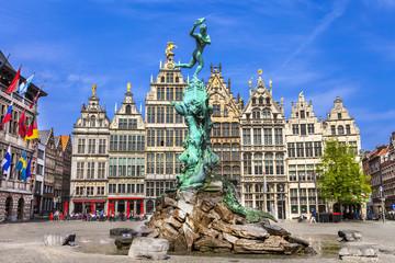 Tradicionalna flamanska arhitektura u Belgiji - gradu Antwerpenu