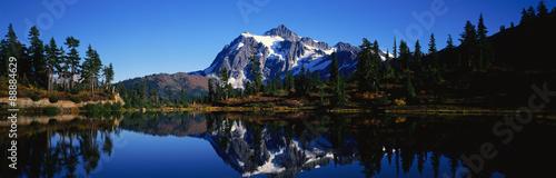 Fotografia Озеро и горы