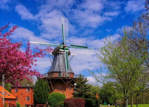 Fotobehang Molens Leezdorf Windmuehle - windmill Leezdorf 01