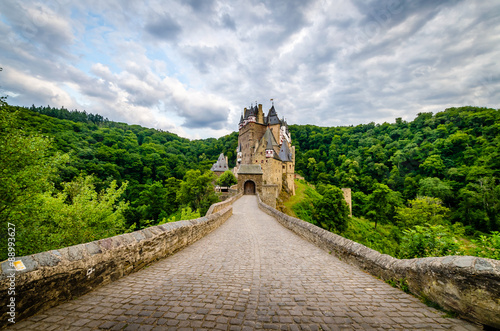 Foto op Plexiglas Historisch geb. Burg an der Mosel
