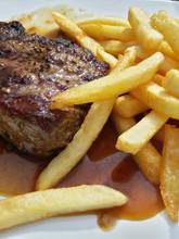 Steak Und Pommes - Close Up