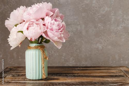 Foto-Tapete - Bouquet of pink peonies, copy space (von agneskantaruk)