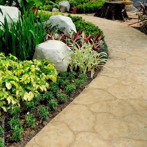 Fotografie, Obraz  stone walkway in garden