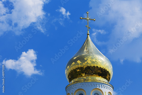 Spoed Foto op Canvas Bedehuis Dome of the Christian temple against the sky