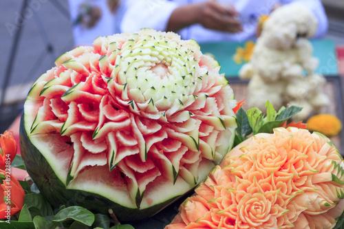 Valokuva  Papaya, watermelon carving
