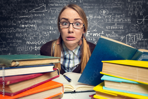 Fotografia  frightened student before an exam