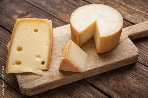 Staande foto Zuivelproducten Cheese on wooden background