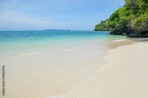 Foto op Canvas Tropical strand Beautiful sea and sand