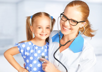 FototapetaDoctor pediatrician and child patient