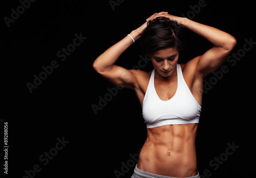 Fotografía Female athlete with perfect abs