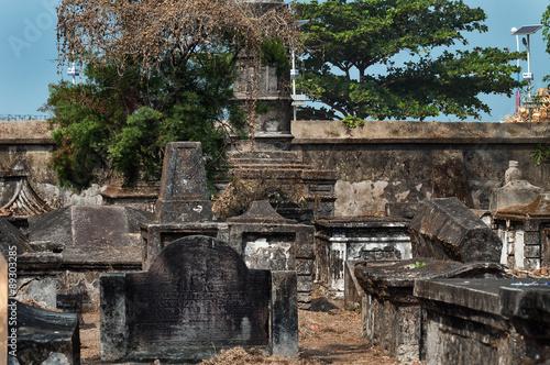 Photo sur Toile Cimetiere Dutch cemetery in Fort Kochi