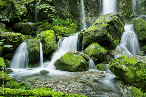 Keuken foto achterwand Watervallen Waterfall in the forest