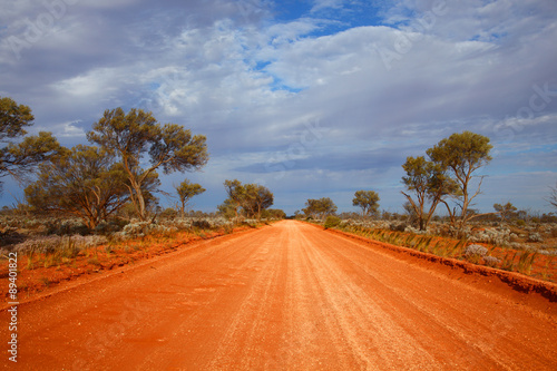 Montage in der Fensternische Australien Outback road