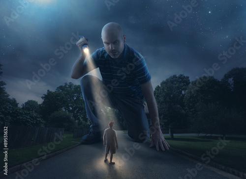 Fotografía  Gigante con la linterna