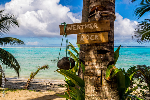 Foto op Canvas Tropical strand weather rock in the paradise. Cook Islands