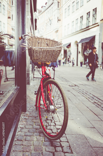 Photo  Classic vintage retro city bicycle in Copenhagen, Denmark