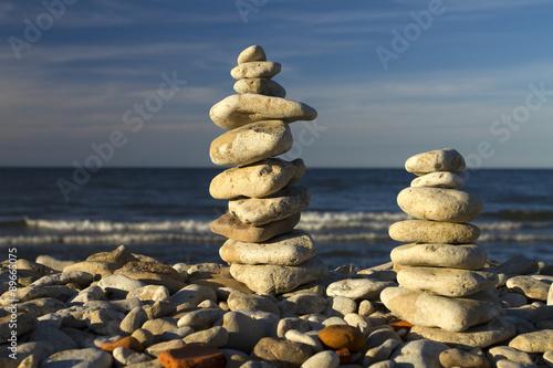 Photo sur Plexiglas Zen pierres a sable stones stacked