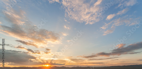 фотография colorful dramatic sky with cloud at sunset