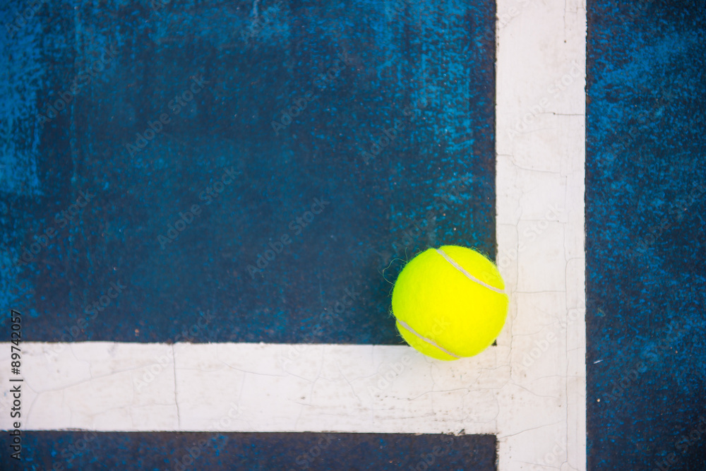 Fotografie, Obraz  Tenisový míček na tenisový kurt
