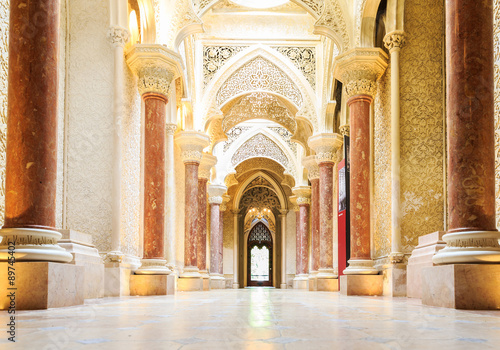 Foto  Märchen Korridor von Monserrate Palast in Sintra.