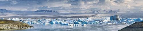 Foto op Canvas Gletsjers lagoon of glacier Fjallsarlon in Iceland