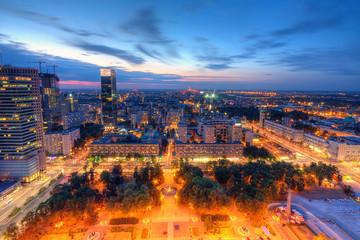 FototapetaWarszawa wieczorna panorama miasta
