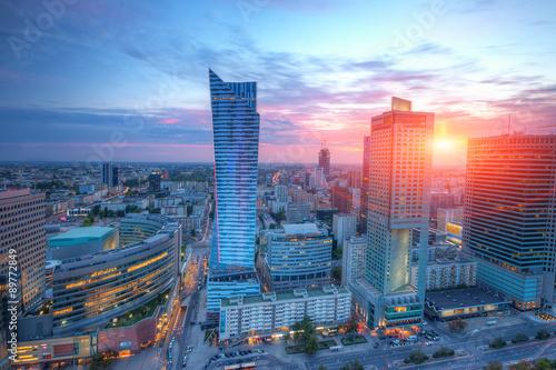 Obraz Panorama Warszawy o zachodzie słońca - fototapety do salonu
