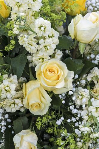 bukiet-zoltych-kwiatow