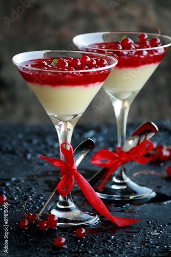 Fototapety, obrazy: elegant dessert with fruit