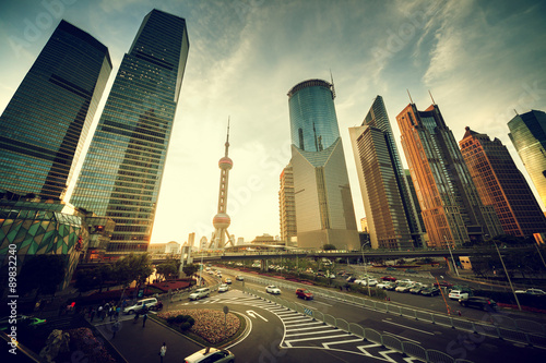 Foto op Plexiglas China road in Shanghai lujiazui financial center, China