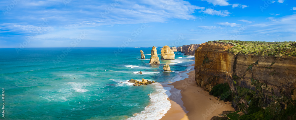 Fototapeta Panorama of the landmark Twelve Apostles along the famous Great Ocean Road, Victoria, Australia