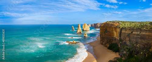 Staande foto Kust Panorama of the landmark Twelve Apostles along the famous Great Ocean Road, Victoria, Australia
