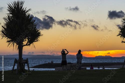 Foto op Aluminium Cathedral Cove 沖縄 夕暮れビーチのシルエット