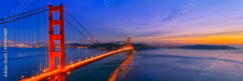 Spoed Foto op Canvas Donkerblauw Golden Gate Bridge, San Francisco California