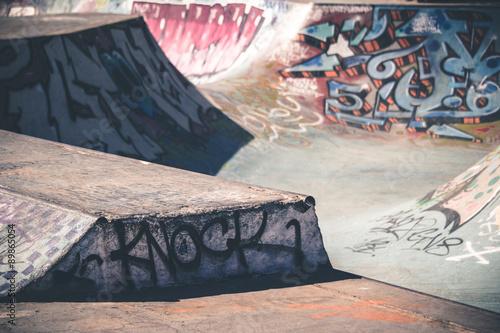 Fotografie, Obraz  Skatepark avec graffitis en couleurs