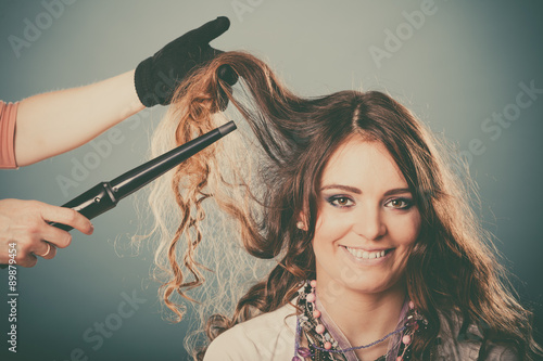 fryzjer-w-pracy