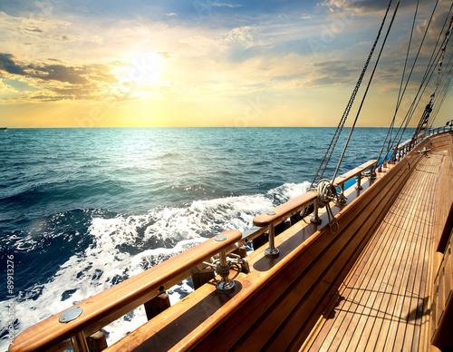 Fotografia  Sailboat in the sea