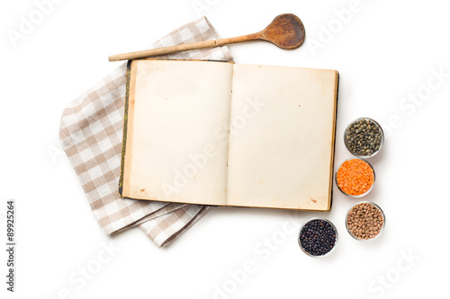 Fototapeta old recipe book and lentils legumes obraz