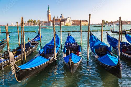 Foto op Plexiglas Venetie Gondolas in Venice, Italy
