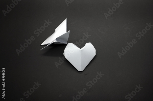 Poster Geometrische dieren White origami butterfly and heart shape paper