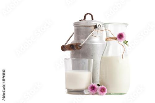 Fotografie, Obraz  Milch in verschiedenen Gefäßen