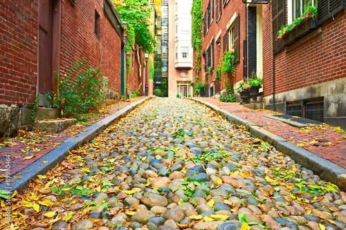 zabytkowa-ulica-acorn-w-bostonie