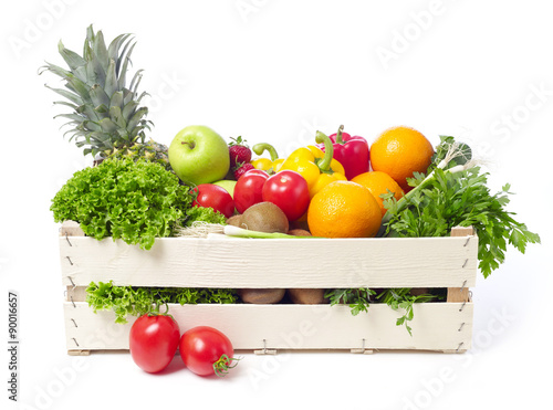 Keuken foto achterwand Keuken Crate with fruits and vegetable