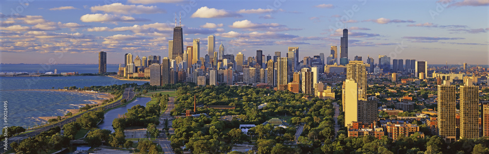 Fototapety, obrazy: This is Lincoln Park with Diversey Harbor in the foreground and Lake Michigan on the left looking south. It shows the skyline in morning light in the summer.  The John Hancock Building is fairly prominent toward the left hand side.
