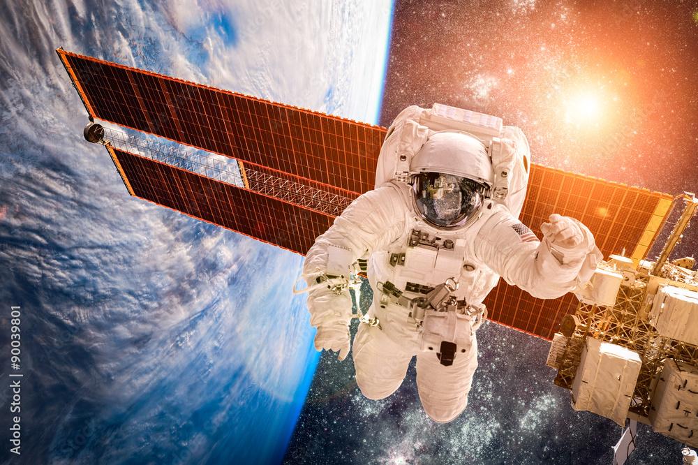 Fototapety, obrazy: Międzynarodowa Stacja Kosmiczna i astronauta